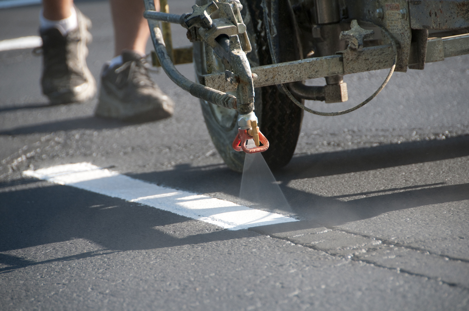 Asphalt services las vegas affordable striping sealing for Cost to paint parking lot lines